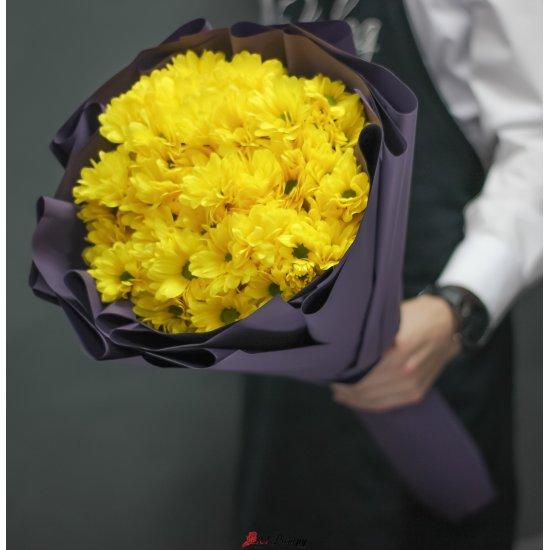 Букет из 19 желтых хризантем