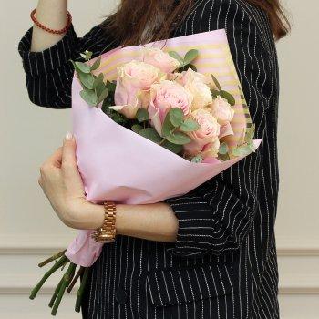 Букет из 7 розовых роз (50 см)