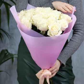 Букет из 25 белых роз (50 см)