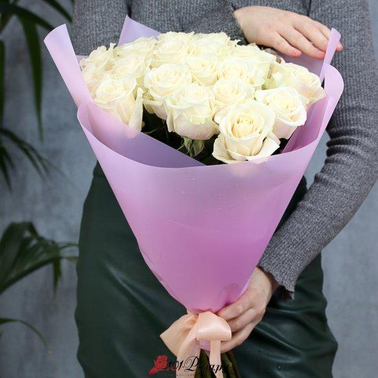 Букет из 25 белых роз 50 см Эквадор