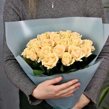 Букет из 25 кремовых роз (50 см)