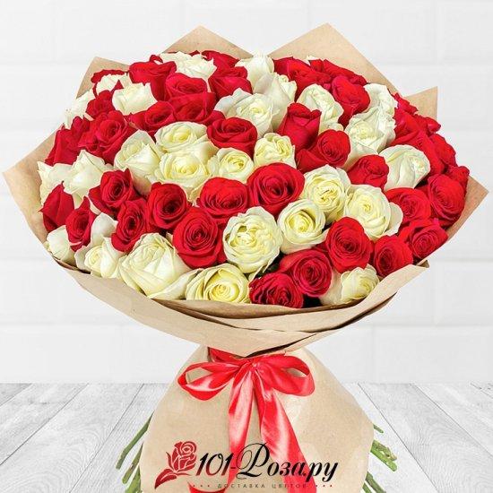 Букет Красное на белом (51 роза - 50 см)