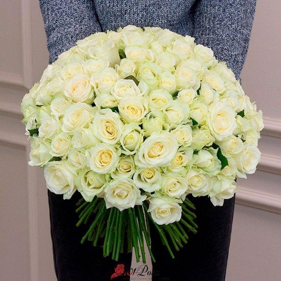 101 белая роза Аваланж (50 см)