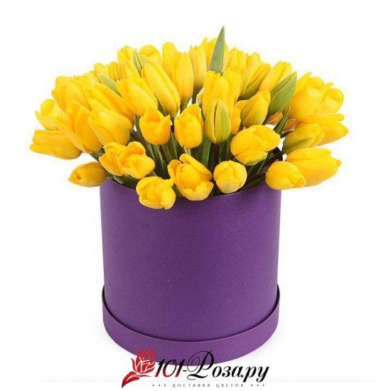 Букет из 35 желтых тюльпанов в коробке