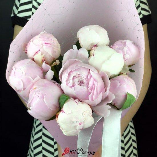 Букет  9 нежно розовых пионов