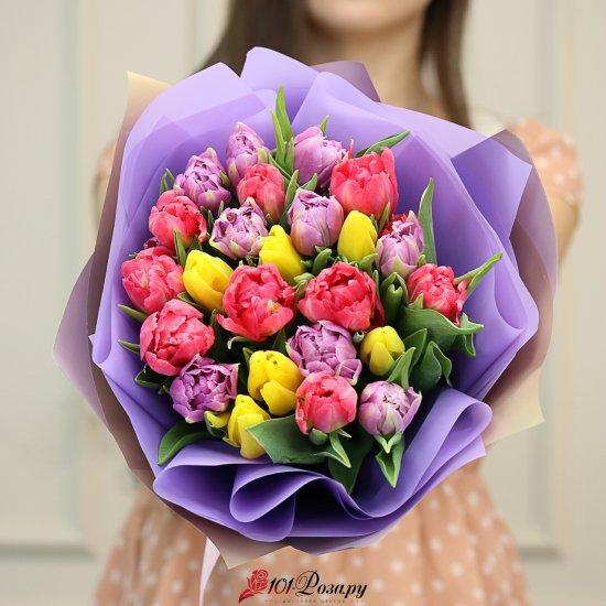 Букет из 19 пионовидных и 6 стандартных тюльпанов