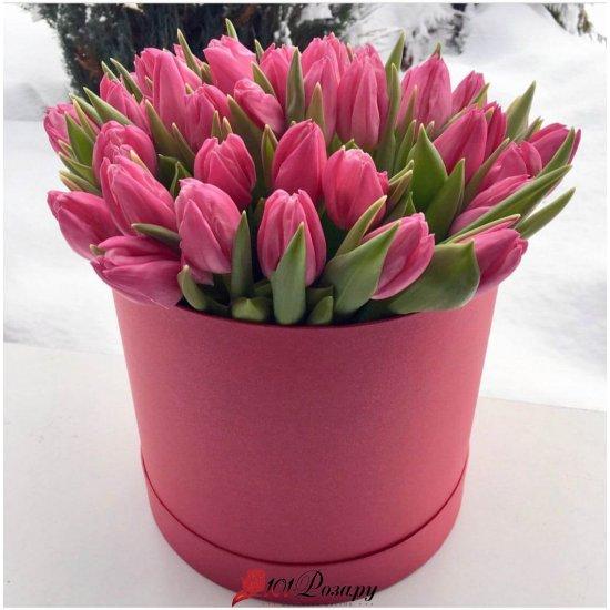 Букет из 35 розовых тюльпанов в коробке