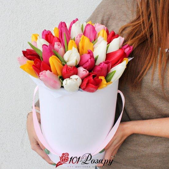 Букет из 35 тюльпанов микс в коробке