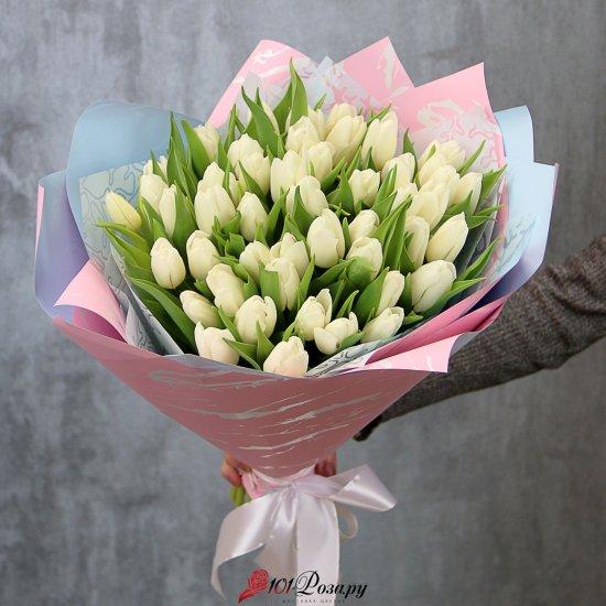 Букет из 51 белого тюльпана стандарт